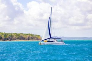 New boat charter to explore the beautiful Fraser Coast!